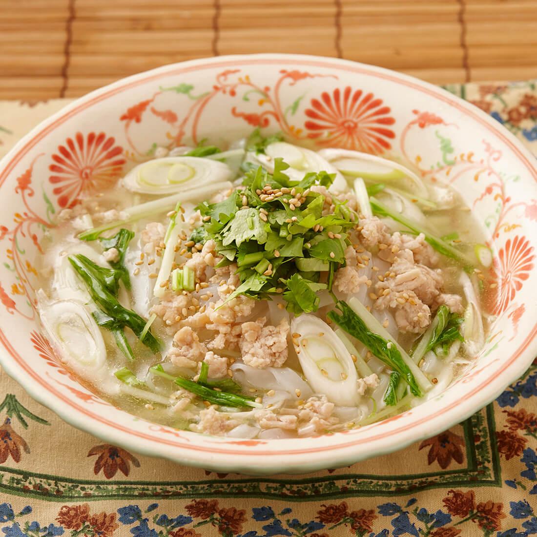 Shirodashi chicken pho