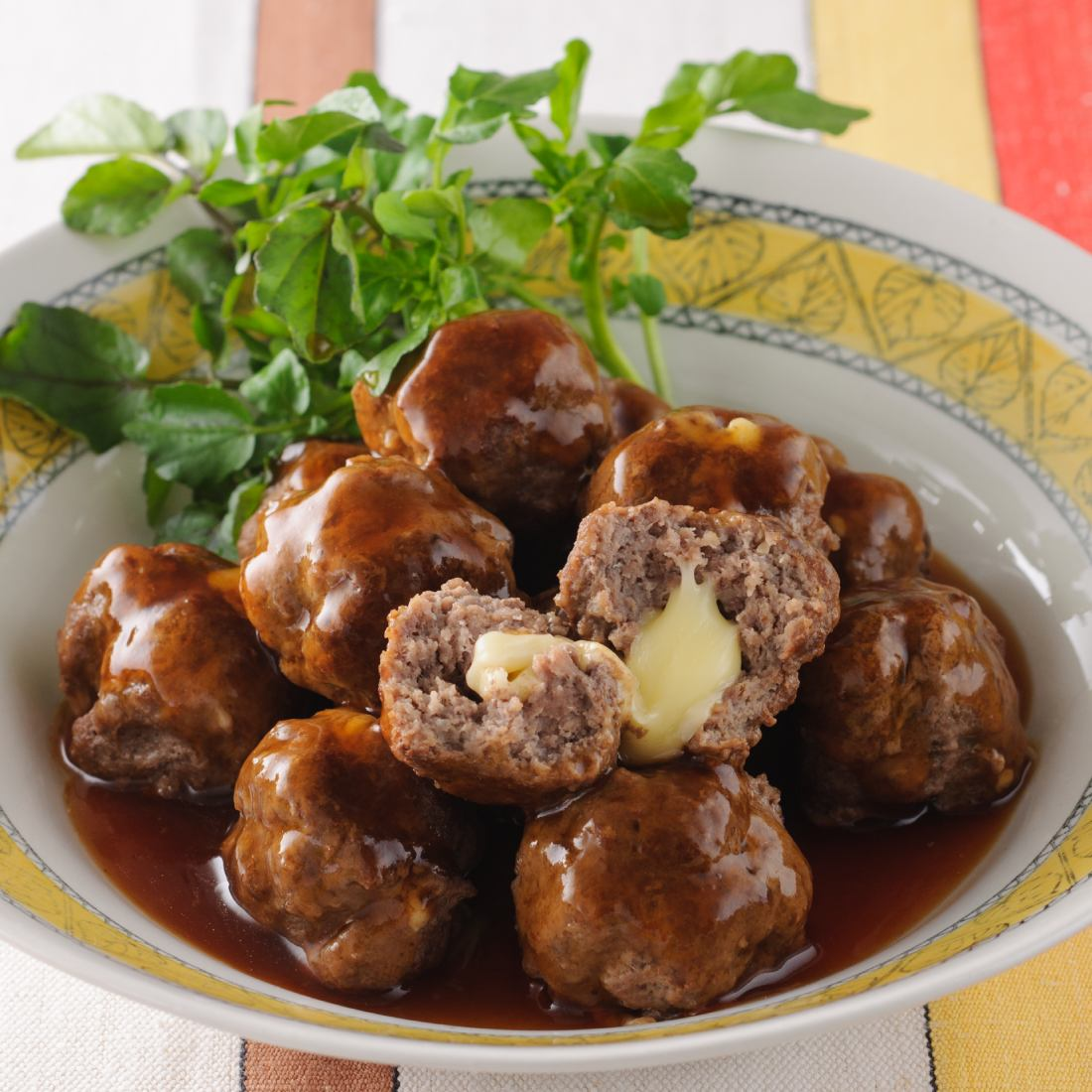 Cheese-stuffed meatballs